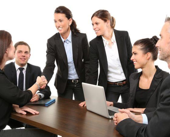 ¿Qué rol tienen las empresas en la felicidad de sus empleados?